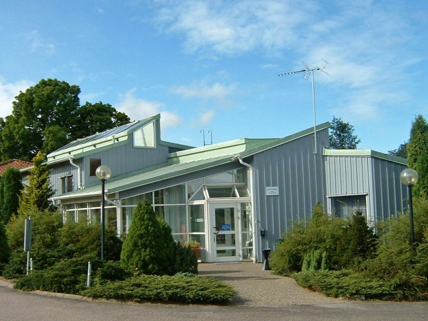 AXEL-Swedish-office-summer-860x645.jpg